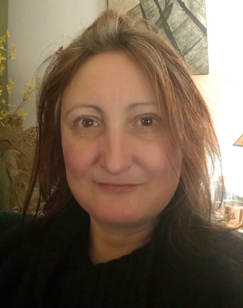 Image of Esther Carmen